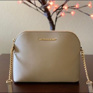 Michael Kors❤️SaffianoLeather Small Dome Crossbody